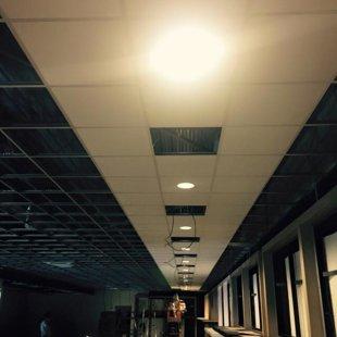 plaatsen tegelplafond